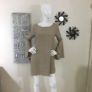 Beige floral bell sleeve Shift Dress Large